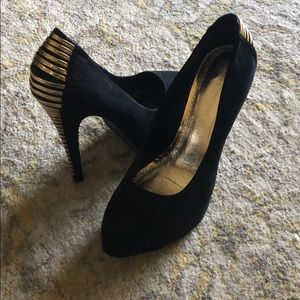 Shoes - Black Platform Pumps with Gold Detailing